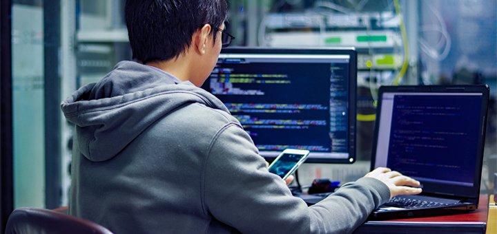 shutterstock_1126098404 Компьютерные курсы для школьников в Сумах