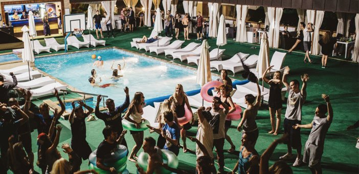 Butterfly_pool_party