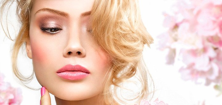 До 2 сеансов VIP-ухода за кожей лица «Голливудское сияние» в студии красоты «Zlatko»