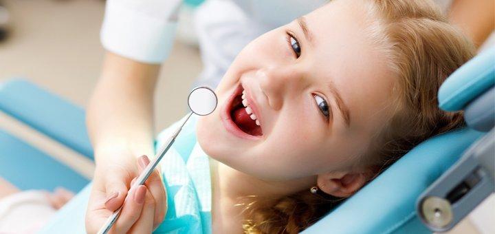 Ультразвукова і Air-Flow чистка зубів в стоматології «Три В»