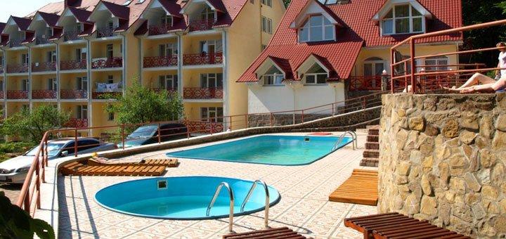 От 6 дней отдыха в комплексе «Солнечный» в Поляне