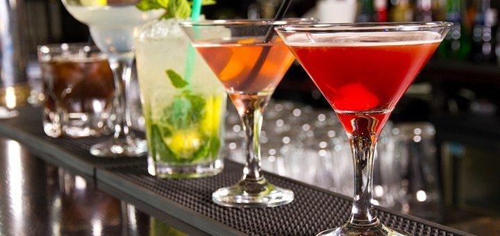 Скидка до 50% на кухню, безалкогольные напитки, коктейльную карту и на вход в Lounge karaoke bar «GoldenHit»