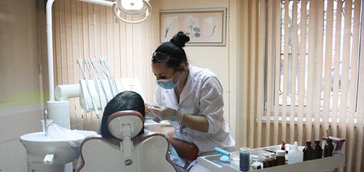 Скидка 50% на чистку зубов методом Air Flow в клинике «Норма 32»