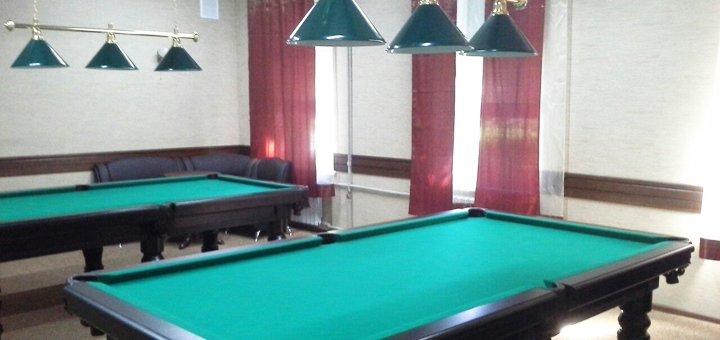 2 или 3 часа игры в бильярд в баре «Юникс»