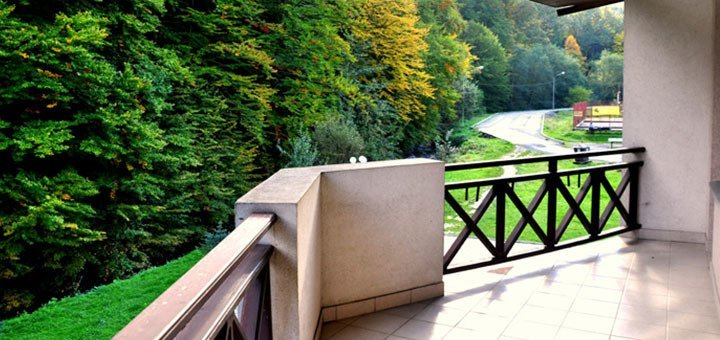 От 5 до 10 дней одыха в отеле «Солнечная Поляна» с пакетом «Full Board» и комплексным лечением на курорте Поляна Квасова