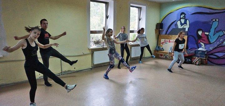 Скидка до -55% на занятия танцами для малышей 4-6 лет в школе танцев «Pasadena»
