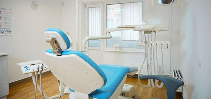 Лечение кариеса с установкой фотополимерной пломбы на один или два зуба в стоматологической клинике «Deutsch Dent»