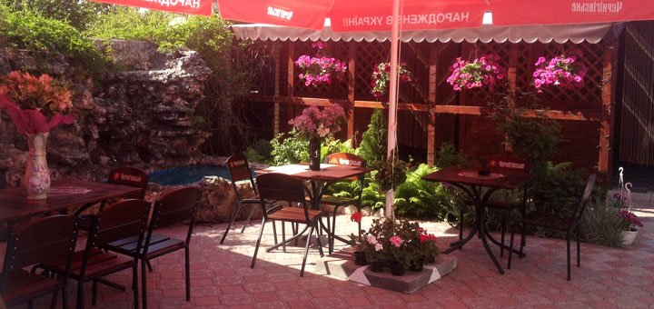 Скидка 40% на все меню кухни и бара в кафе «Ереван»