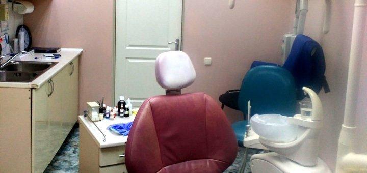 Ультразвуковая чистка зубов + Air Flow в стоматологической клинике «Vitalis»