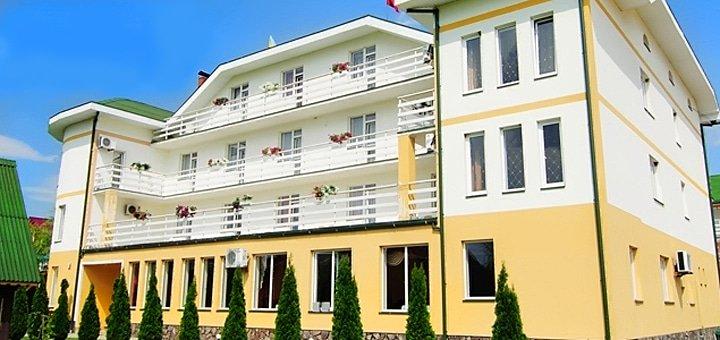 От 4 дней отдыха для двоих в отельном комплексе «Континент» в Карпатах