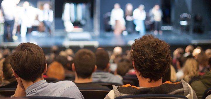 Билеты на спектакли «Лифчик on-line» и «Развод в постельных тонах» от «Черный квадрат»