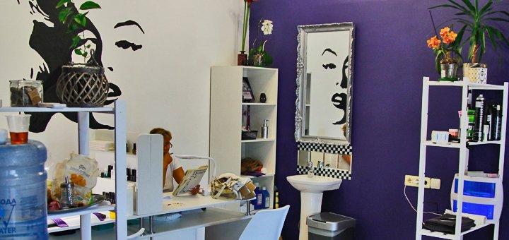Стрижка, укладка, окрашивание волос в один тон, омбре в студии красоты «Merlin»