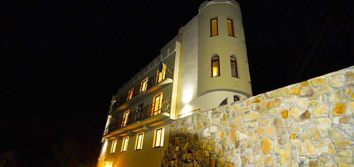 От 4 дней отдыха в гостевом доме «3 Короны» в 300 метрах от минеральных источников в Сходнице