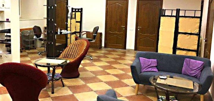 Маникюр, педикюр и покрытие гель-лаком в салоне красоты «ZEFIR»