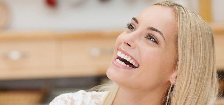 Профессиональная чистка зубов для одного  или двоих в стоматологии «Правильный выбор»!