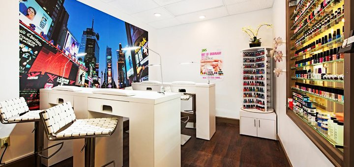 Маникюр, педикюр, покрытие гель-лаком и массаж рук в «JOY» Cosmetology Room