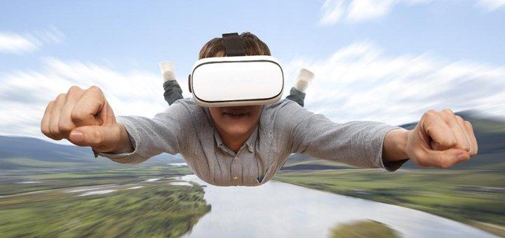 До 60 минут полного погружения в виртуальную реальность в игровом пространстве «Куб»