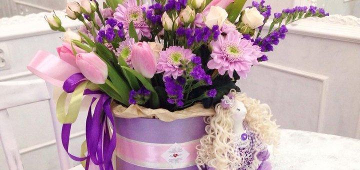 Скидка 20% на цветы шляпных коробках в цветочной студии «AnneMaria»