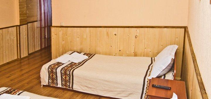 От 3 дней отдыха с питанием в отеле «Затишок» в Драгобрате в 15 метрах от подъемника