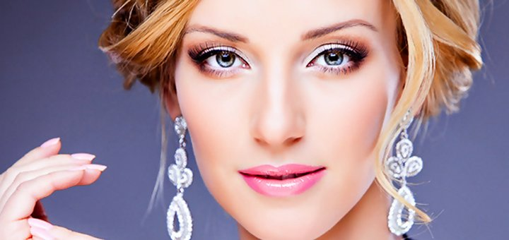 До 5 сеансов премиум RF-лифтинга лица, шеи и декольте в салоне «Pretty Woman»