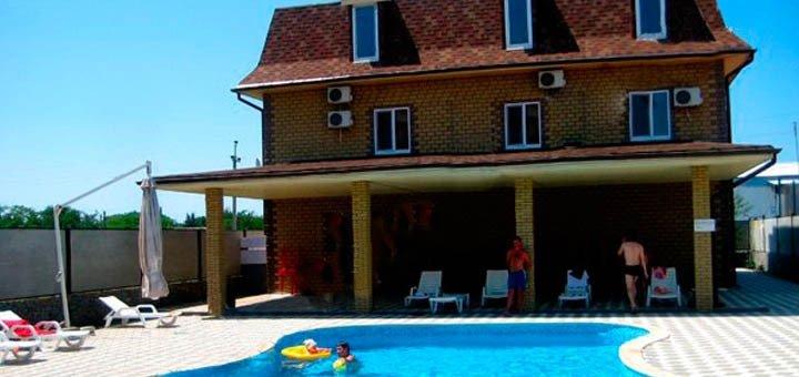 От 5 дней отдыха с бассейном в отеле «Пена» в Кирилловке на Азовском море