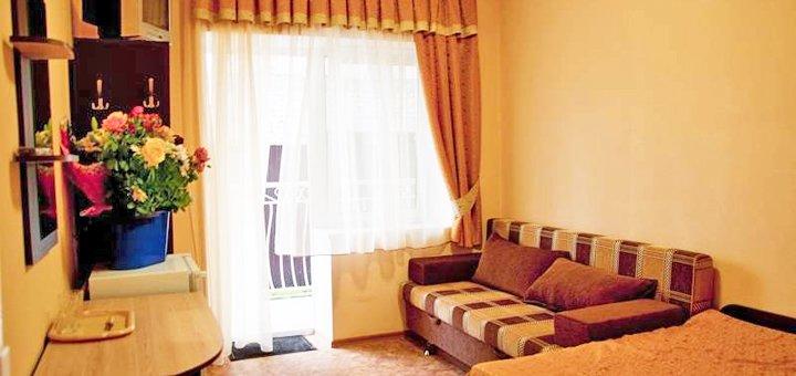 От 3 дней отдыха в июне для двоих в отеле «Айсберг» в Железном Порту на первой линии от моря