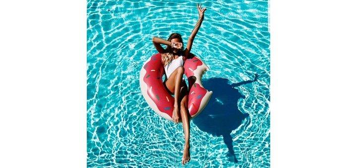 Скидка 20% надувной круг Розовый Пончик 107 см в интернет магазине «SunShine»