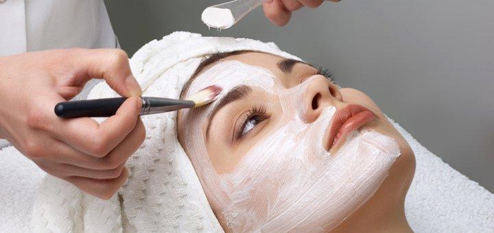 Скидка 55% на комбинированную чистку лица в косметологическом центре «Колибри»