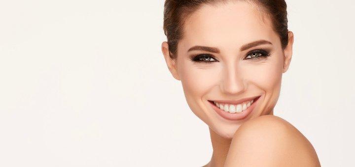 До 3 сеансов гиалуронопластики лица в салоне красоты «Амира»