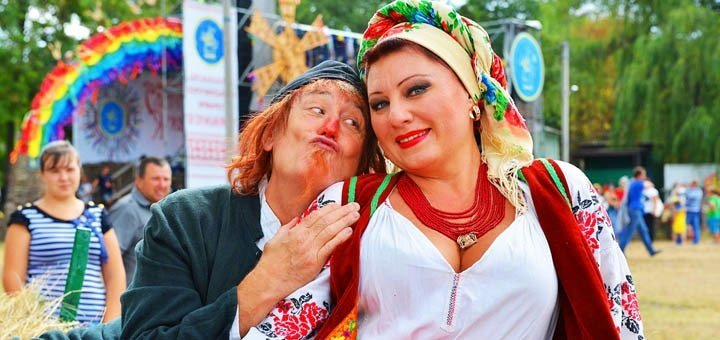 Яркий экскурсионный тур на колоритный праздник лета - Сорочинскую Ярмарку от «Дискавери Тур»