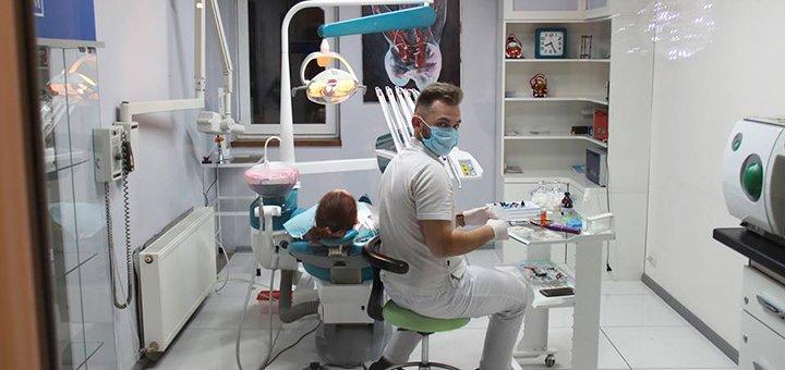 Знижка до 63% на лазерне відбілювання зубів в медичному центрі «Платинум»