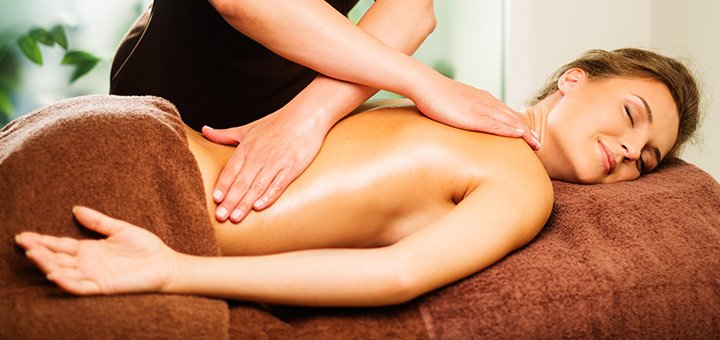 Скидка до 57% на общий массаж тела от студии массажа Артема Каминного