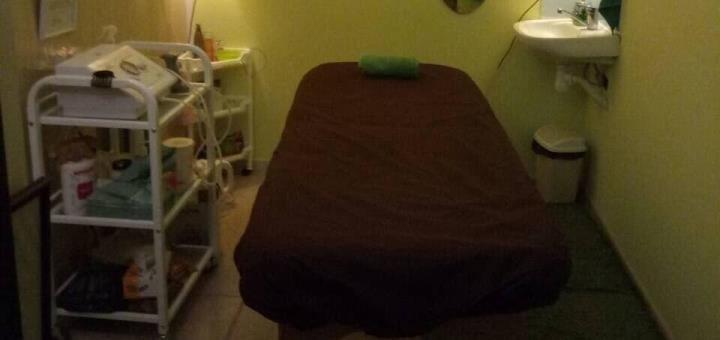 До 7 сеансов экзотического массажа лица в массажном салоне «АЭРИДЕС»