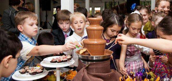 Шоколадный фонтан и латте в подарок при заказе детского праздника в кафе «Багеттерия»