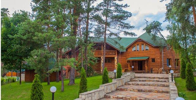 От 1 дня романтического отдыха за городом в комплексе «Лесная» под Киевом