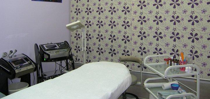 Скидка 57% на увеличение или коррекцию формы губ в поликлинике Святого Антипы