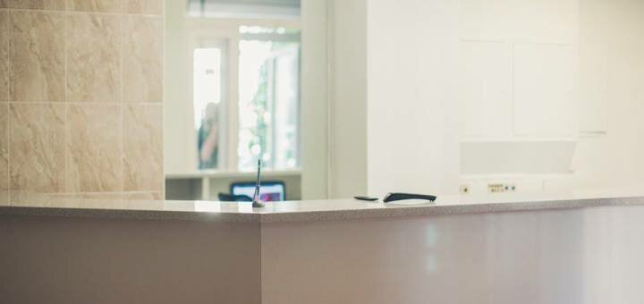 Чистка лица с уходом для жирной проблемной кожи в клинике доктора Сычева