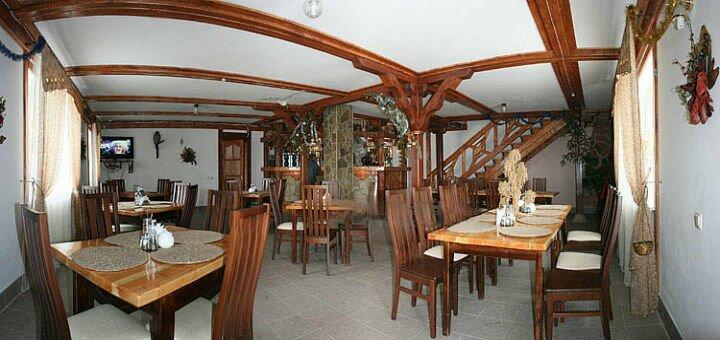 От 3 дней отдыха зимой с питанием и посещением сауны на базе отдыха «Берлога» в Карпатах