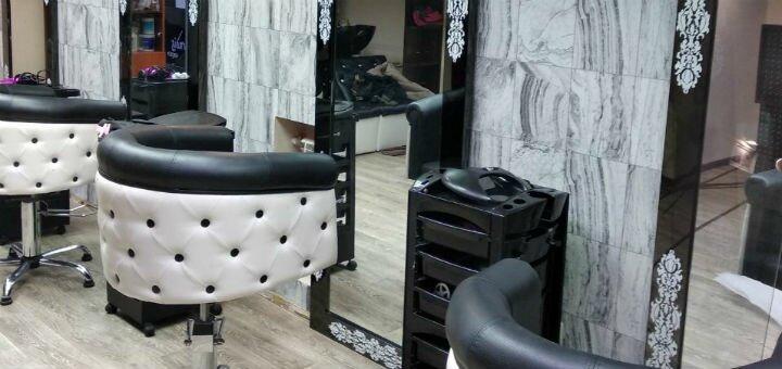 Маникюр и педикюр с покрытием гель-лаком в студии красоты Тины Хиврич