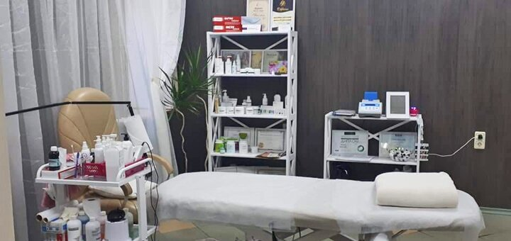 До 5 сеансов французского пластического массажа лица и зоны декольте в кабинете «Красотка»