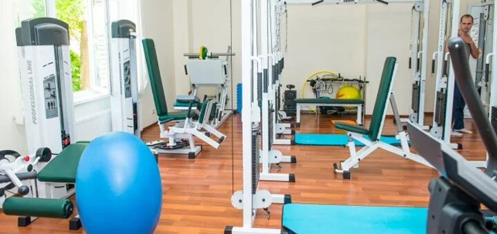 Консультация ортопеда-травматолога, невролога или вертебролога в центре «Kinesis Life»