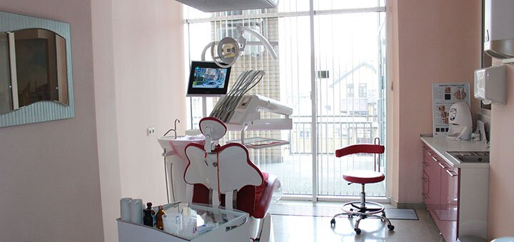 До 2 сеансов УЗ чистки зубов в клиниках «Святого Аполлония», «Аранта», «Стома-сервис»