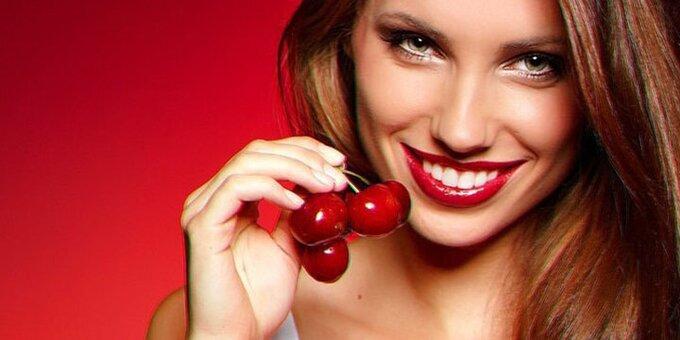 Скидка до 57% на ультразвуковую чистку зубов и глубокое фторирование в «Эстет XXI век»