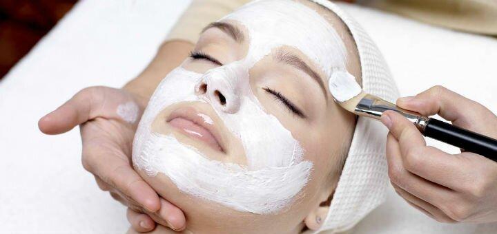 Чистка обличчя та альгінатна маска у подарунок у салоні краси та естетичної косметології