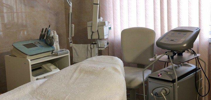 Скидка до 60% на ультразвуковую чистку лица с маской в центре косметологии «Технологии красоты»