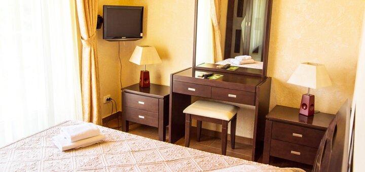 От 3 дней отдыха в комфортабельном отеле «Дельфин 3*» в Коблево на берегу Черного моря