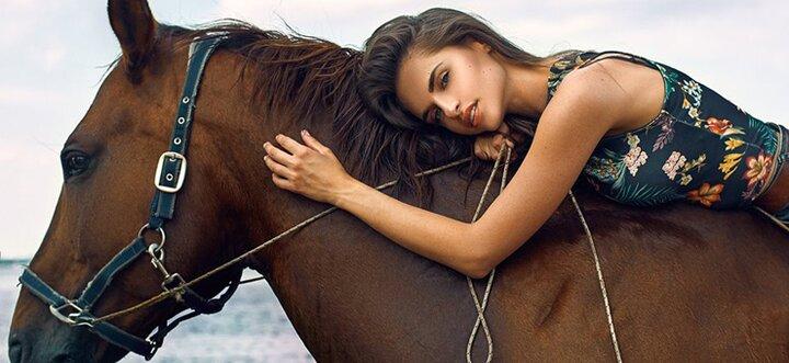Скидка до 55% на прогулки на лошадях или занятия по верховой езде в конном клубе «Идиллия»