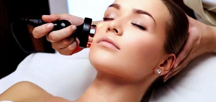 До 5 сеансов RF-лифтинга лица, шеи и декольте в кабинете аппаратной косметологии «Muza»