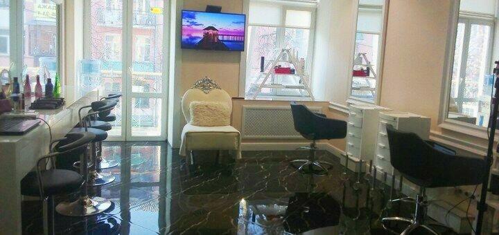 Маникюр и педикюр с покрытием гель-лаком в салоне красоты «AVRA beauty studio»