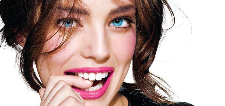 До 5 сеансов LED-отбеливания и осветления эмали зубов на 3-4 тона в студии красоты «Ideal Body»